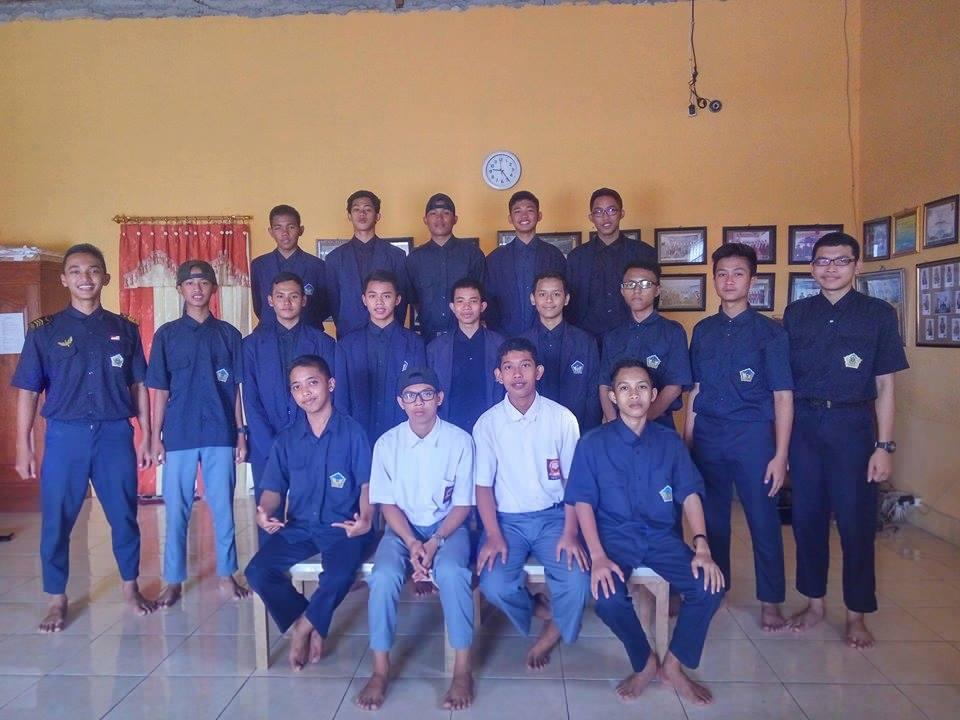 Anwar Nasution Bersama Anak PSG TKJ dan MM SMK Budi Utomo