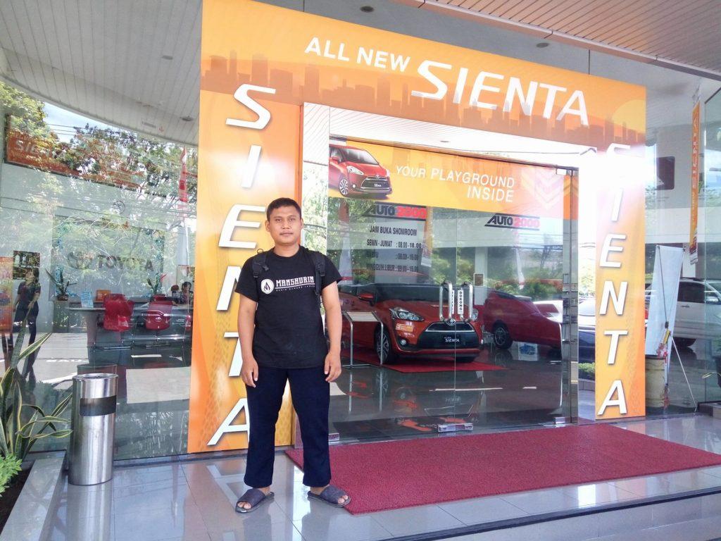 Tampak Depan Dealer Auto2000 Jemursari Surabaya