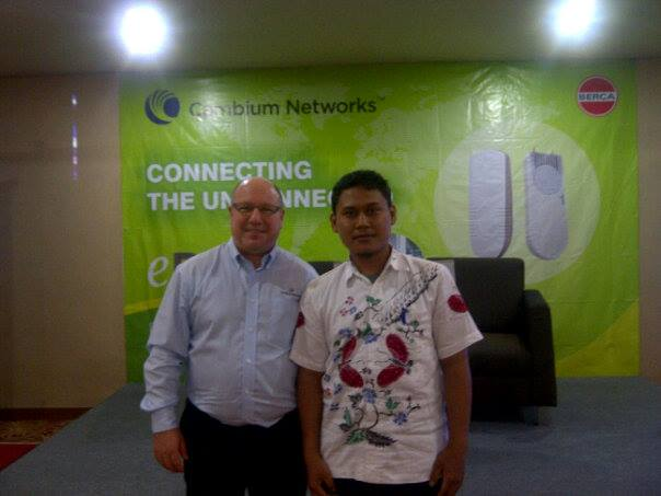 Foto Bersama General Manager Cambium Network