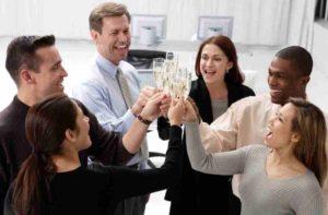 Inilah Keuntungan yang Bisa Kamu Rasakan Kalau Bertahan di Perusahaan Dalam Jangka Waktu yang Lama!