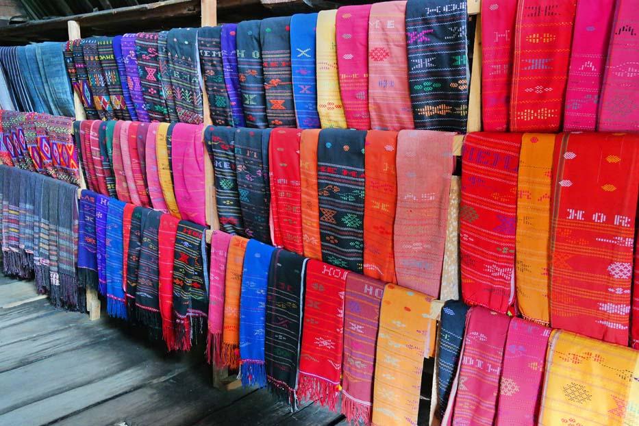 Kenali 10 Jenis Kain Tradisional Indonesia Ini