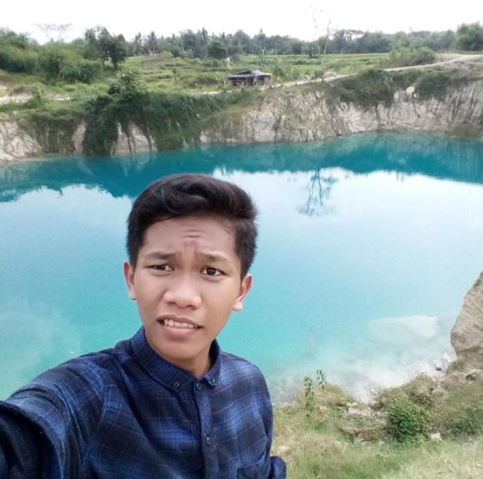 Reza Renaldi - Multimedia SMK Budi Utomo 2017