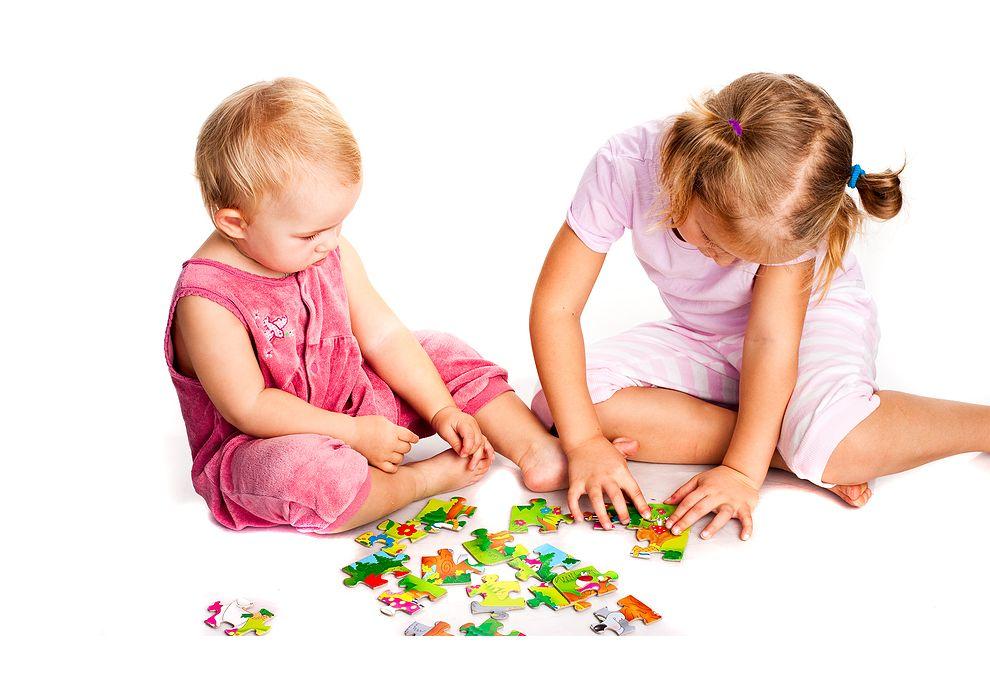 Anak Bermain Mainan Edukatif