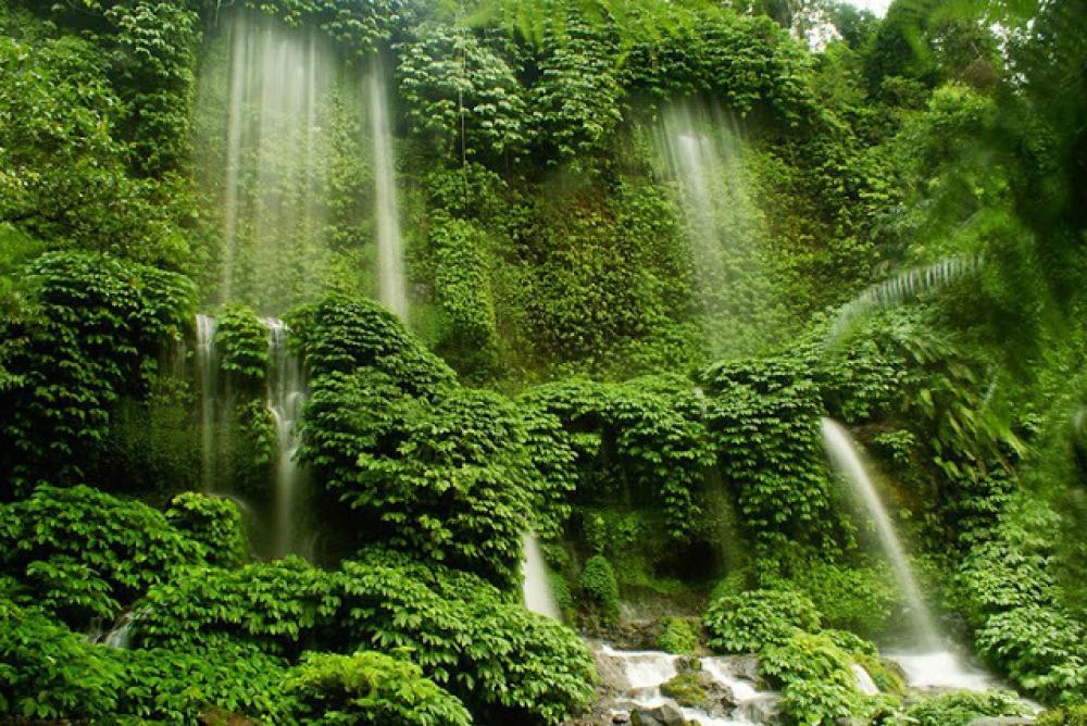 Air Terjun Benang Kelambu, Aik Berik, Lombok Tengah