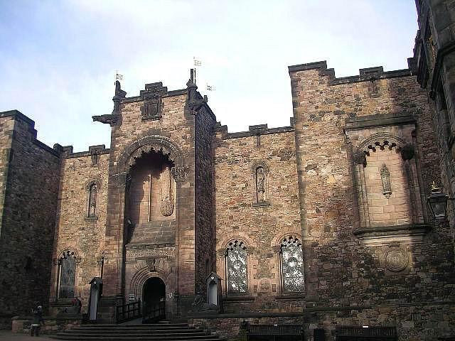 Kastil Edinburgh, Inggris Raya