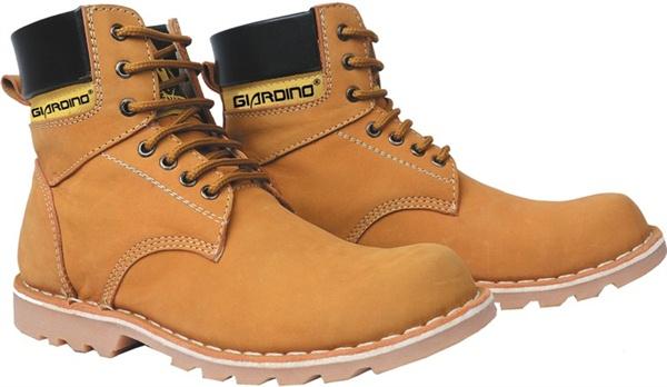 Model Sepatu Pria Boots