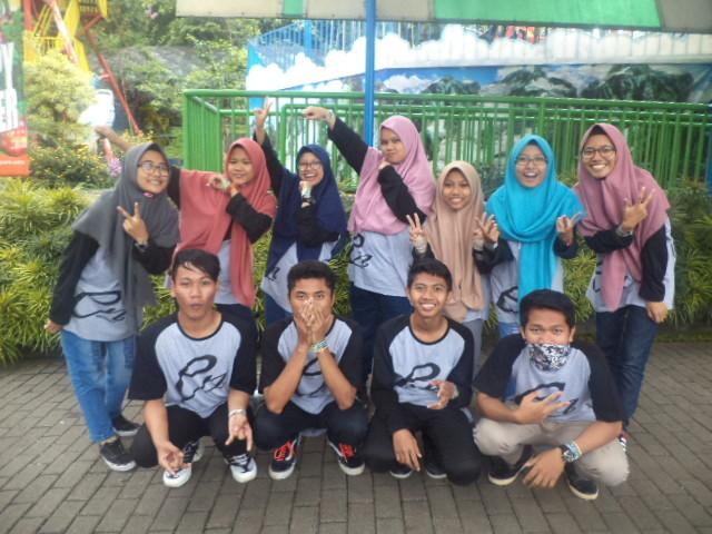 Foto Bersama Enfordis Crew Di Jatim Park 1