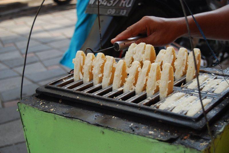 Bandros Makanan Khas Bandung