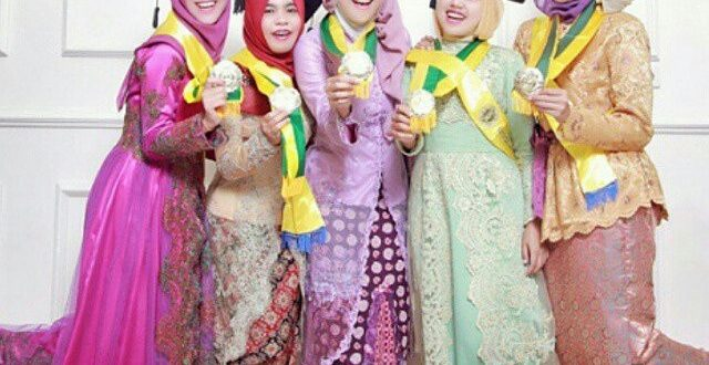 Model Kebaya Lengan Panjang Modern Ali Mustika Sari